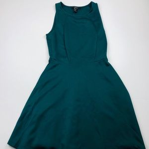Forever 21 green women's holiday dress size small